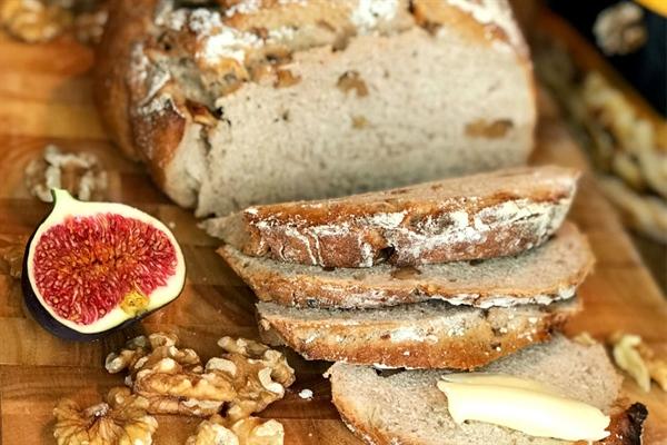 Läckert höstbröd med knapriga valnötter